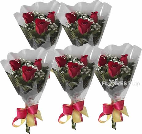 1682 Kit de mini buquês com 3 rosas