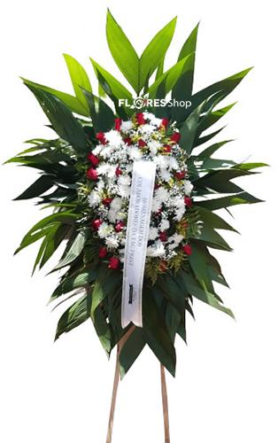 4651 Coroa de Flores Com Carinho