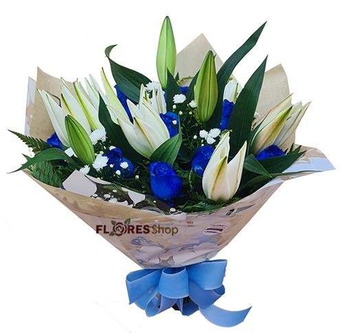 4782 Buquê com Lírios e rosas azuis